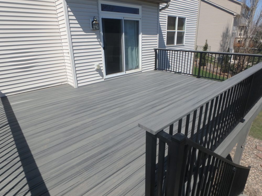 Maple Grove Minnesota Deck Azek Westbury Aluminum Drink Rail